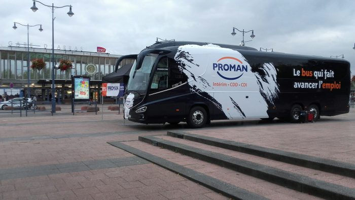 Le bus qui fait avancer l'emploi à Arras