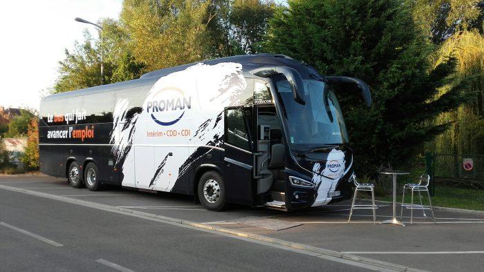Le bus de l'emploi PROMAN à Boves