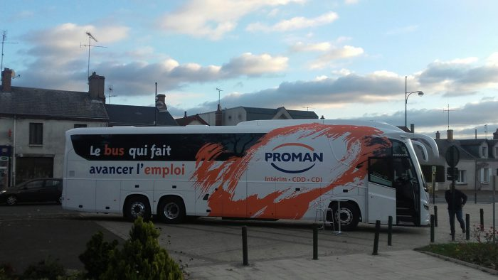 Le Bus Proman à Saint Jean de la Ruelle